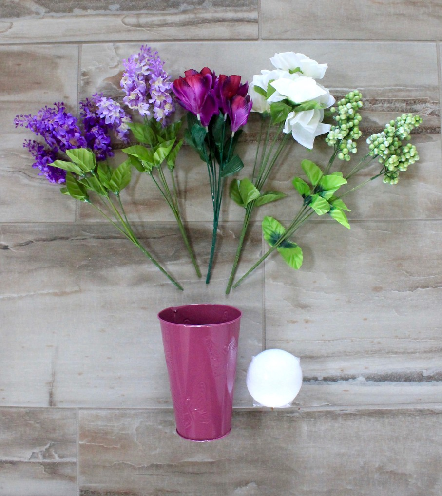 How To Make A Beautiful Lilac Floral Arrangement In 5 Easy Steps