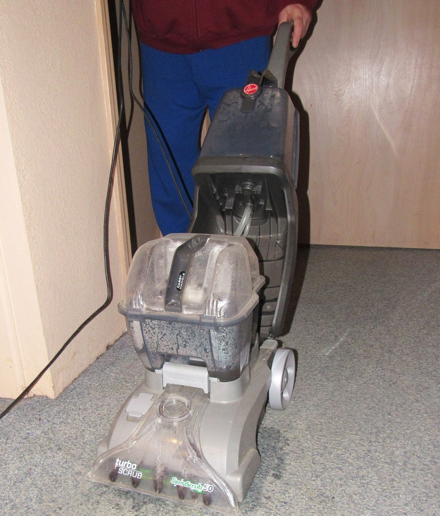 How to do diy carpet cleaning steam cleaning can shrink carpet fibers view solutioingenieria Choice Image
