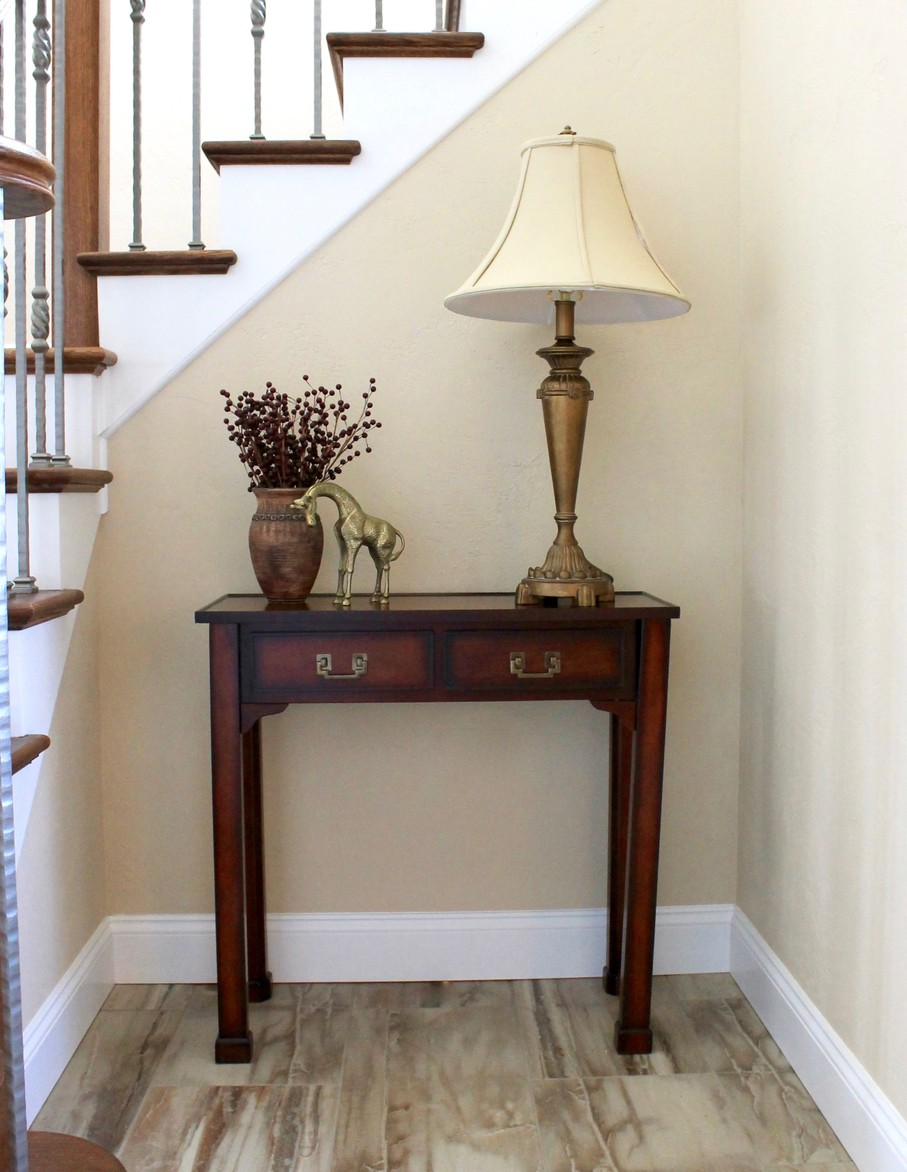 How to design a foyer table like an expert house tipster - What is a foyer ...