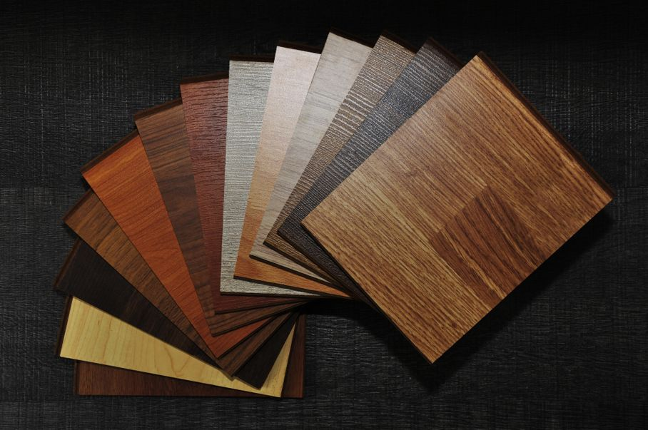 Samples of laminate and vinyl floor