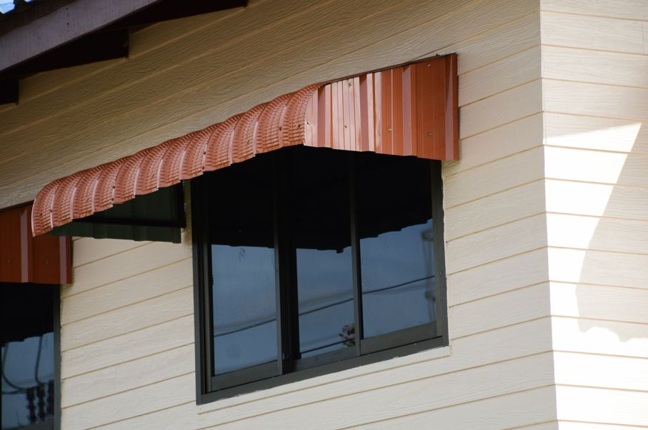 Awning of slide window