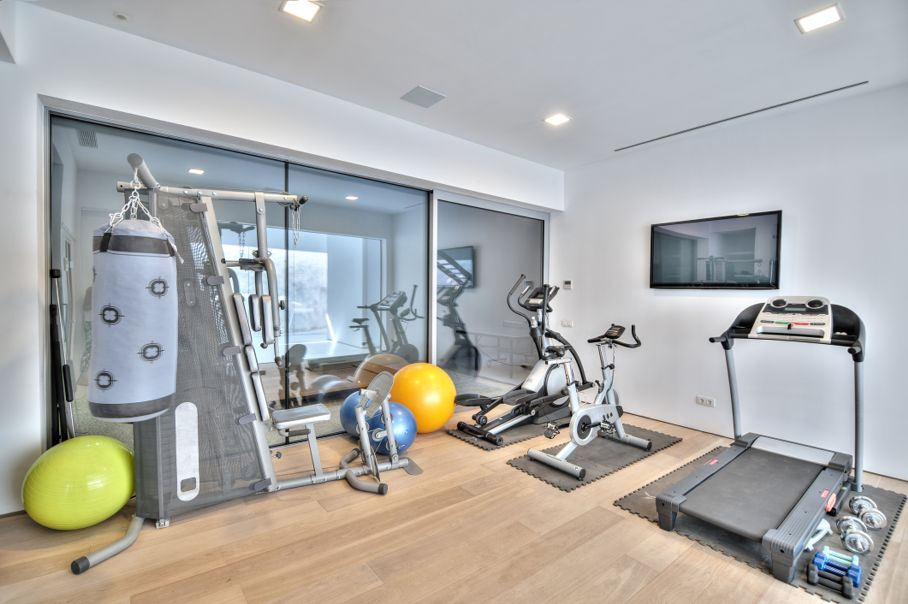 Gym in the modern villa
