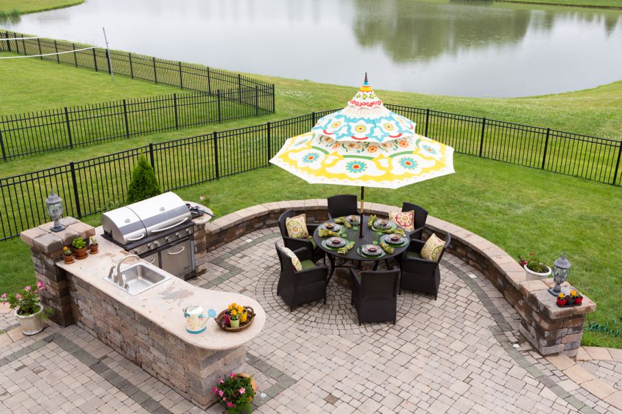 Outdoor living space ready for dinner
