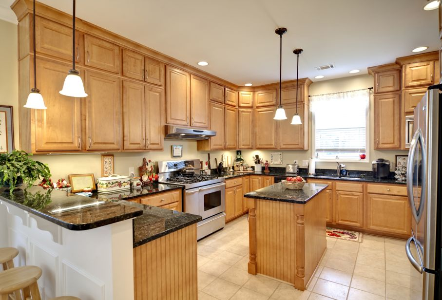 Best Tips For Choosing Cabinet Stain Colors