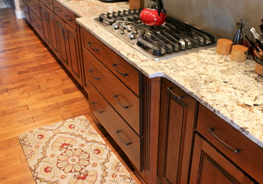 Flooring Countertops And Area Rugs Can Work Together House Tipster