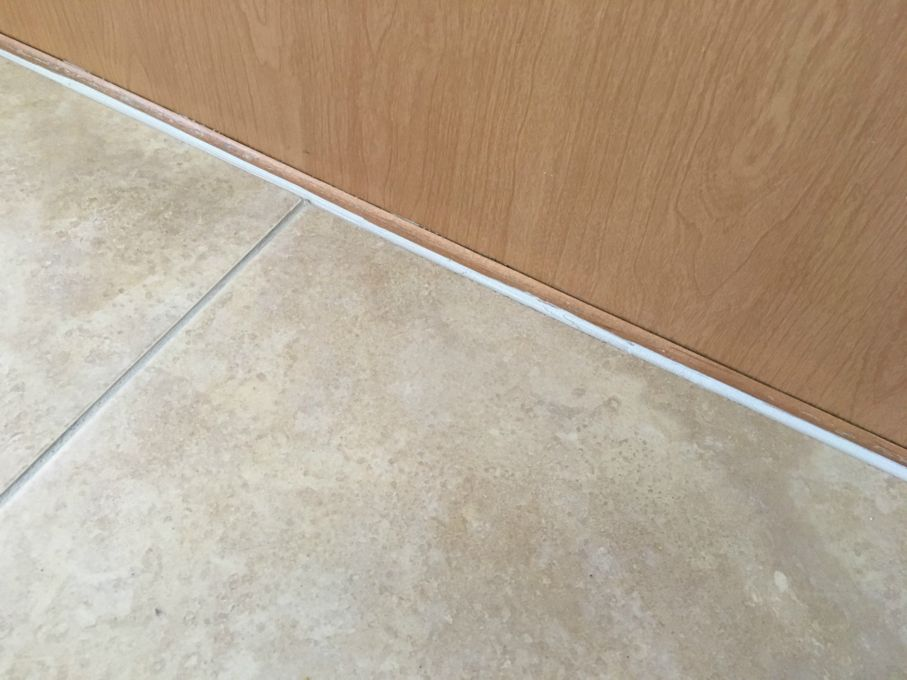 How To Replace Cracked Grout Joints With Caulk House Tipster