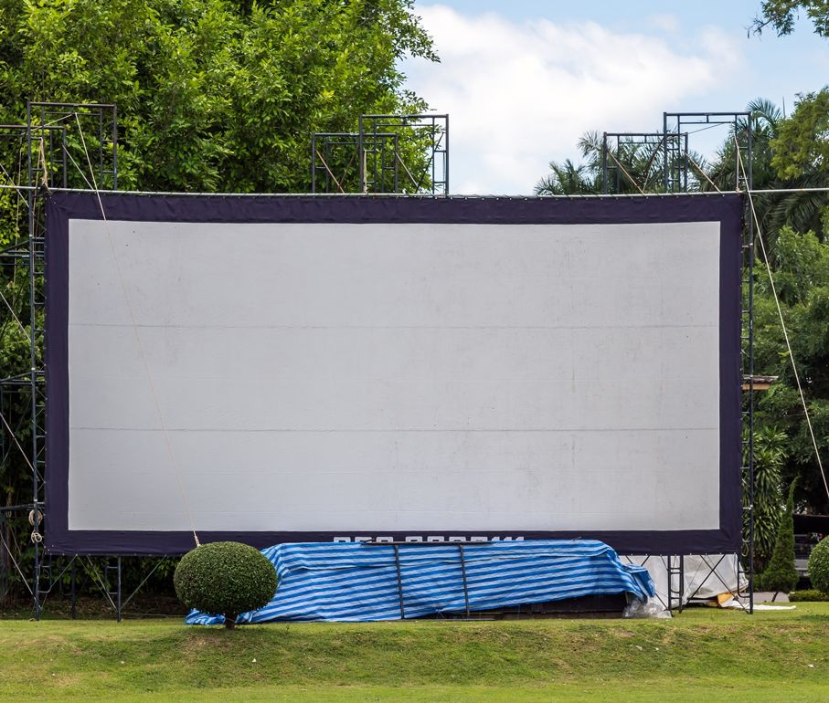 Design Your Own Exterior: How To Create The Ideal Outdoor Theater In Your Own Backyard